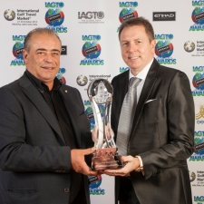 IGTM - Peter Walton (R) hands Costantino Rocca the IAGTO Honorary Award 2015
